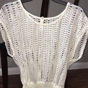 White Lace Batwing Shirt 💥NWOT💥